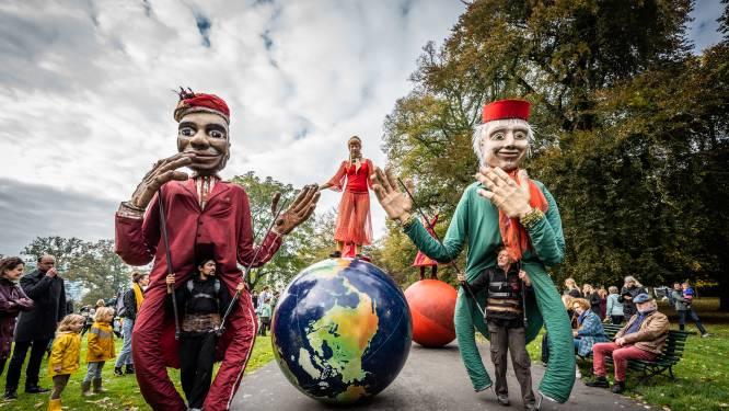 Sprookjesfestival begonnen met vrolijke parade door Sonsbeek