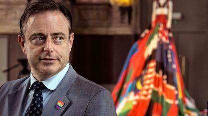 De Wever voert druk op andere partijen op en stelt start Vlaamse formatie uit