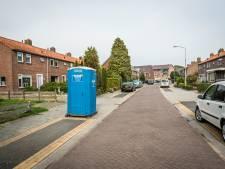 Eén Dixi voor de hele straat na zoveelste leidingbreuk in Elburg