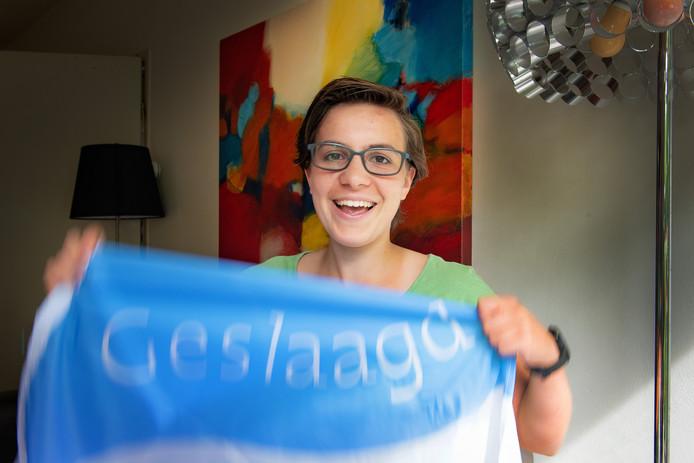 De 17-jarige Gymnasiumleerling Renske Janssen van het Dominicus College slaagde met vier tienen, vier negens en twee achten.