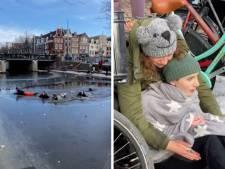 Des patineurs sauvés d'un canal à Amsterdam