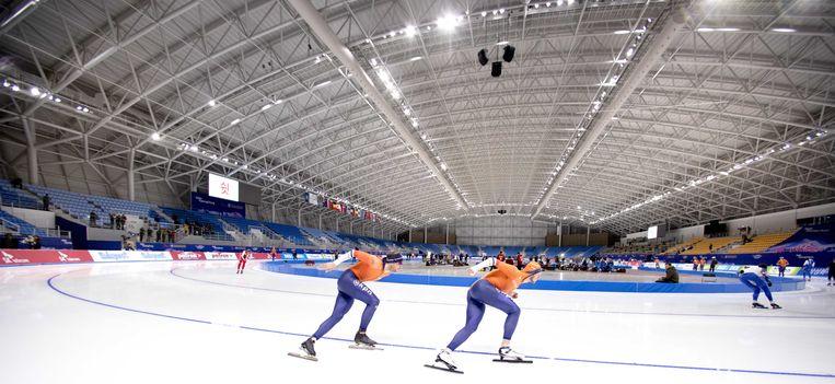 Nederlandse schaatsers tijdens de training in de Gangneung Olympic Oval voorafgaand aan de WK Afstanden schaatsen. Beeld ANP