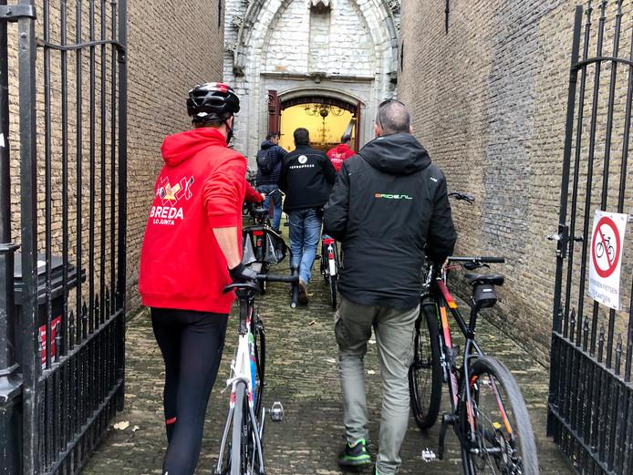 De Vuelta-route loopt in Breda onder meer door de Grote Kerk.