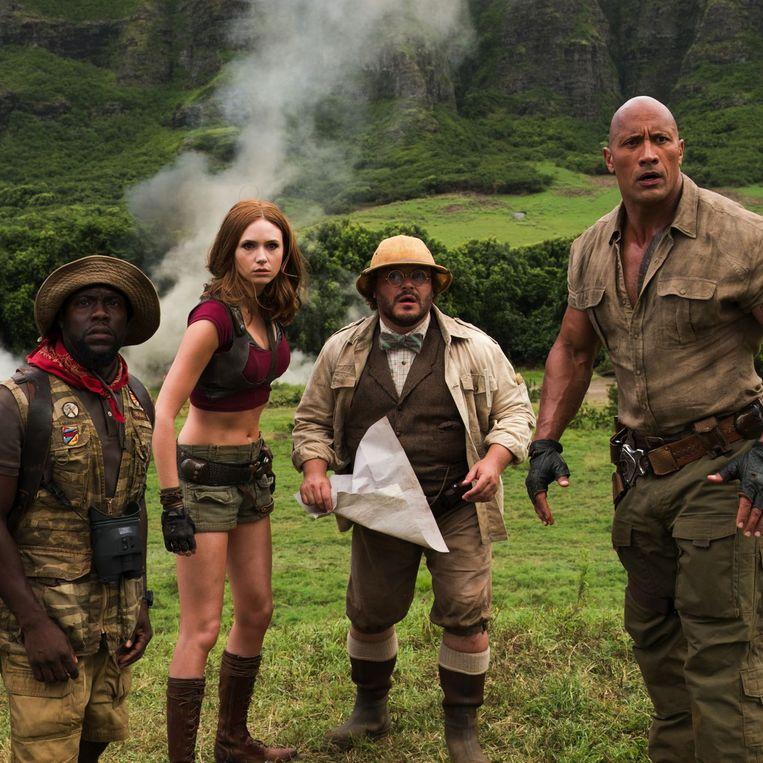 Kevin Hart, Karen Gillan, Jack Black en Dwayne Johnson in Jumanji: Welcome to the Jungle van Jake Kasdan. Beeld