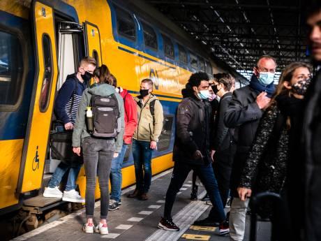 LIVE   11.600 boetes voor niet dragen mondkapje in ov; controleurs GGD Utrecht massaal om de tuin geleid