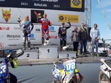 Sterke start van het seizoen: Apeldoornse motocrosser Shana van der Vlist op het podium