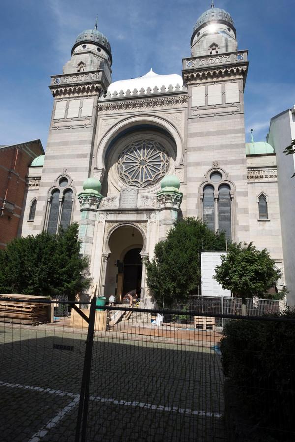 Synagoge Shomre Hadass ligt in de Bouwmeesterstraat.