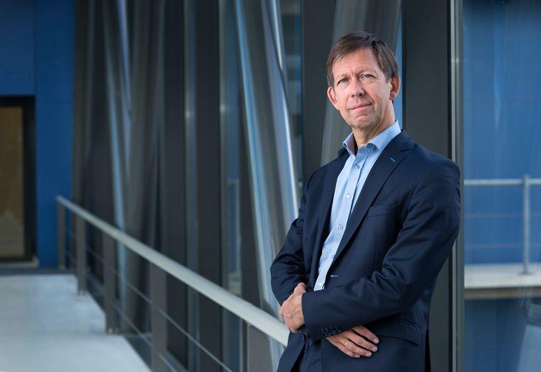 Viroloog Louis Kroes ziet ruimte voor versoepeling. Beeld LUMC