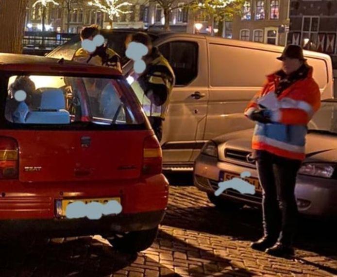 De politie geeft vrijdagavond meerdere boetes uitgeschreven bij een verkeerscontrole in de binnenstad van Gorinchem.