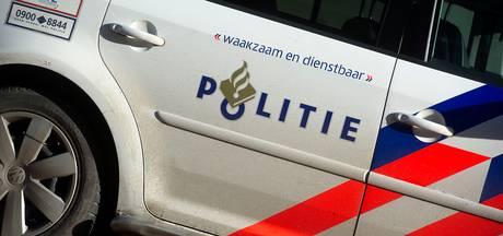 Auto knalt achterop file bij verkeerscontrole Hoogland