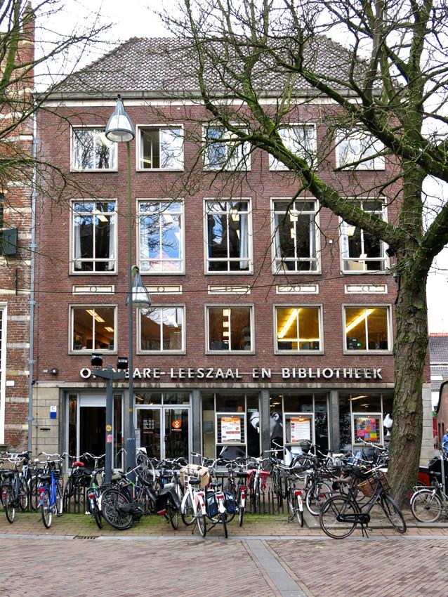 De oude bibliotheek aan de Brink