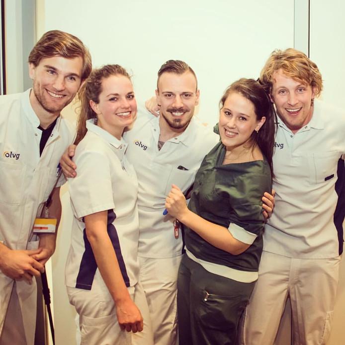 Thijs Fransen (midden) met zijn collega's van het hartcentrum.