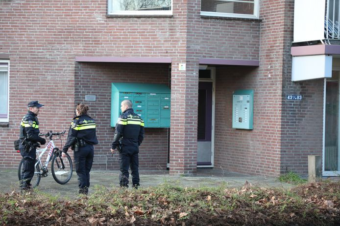 Aan de Velddreef in Zoetermeer is vanmiddag een overval gepleegd.