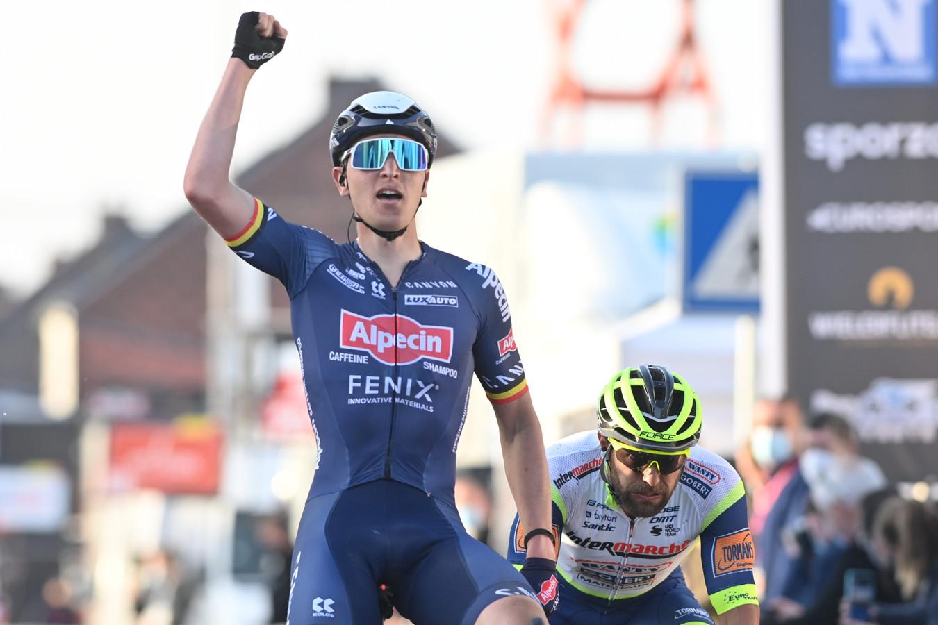 Tim Merlier is met de Giro aan zijn eerste grote wielerronde toe.