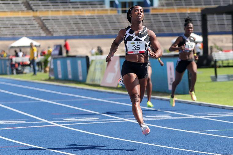 Shelly-Ann Fraser-Pryce wint de 100 meter in 10.63 tijdens een meeting in Kingston, Jamaica. Beeld REUTERS