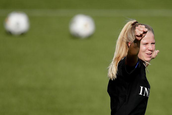 Kika van Es op de training van Oranje.