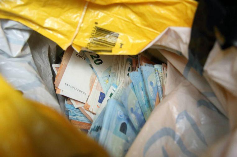 Naast de drugs lag in het pand nog eens elf miljoen euro aan contanten (archiefbeeld). Beeld OM