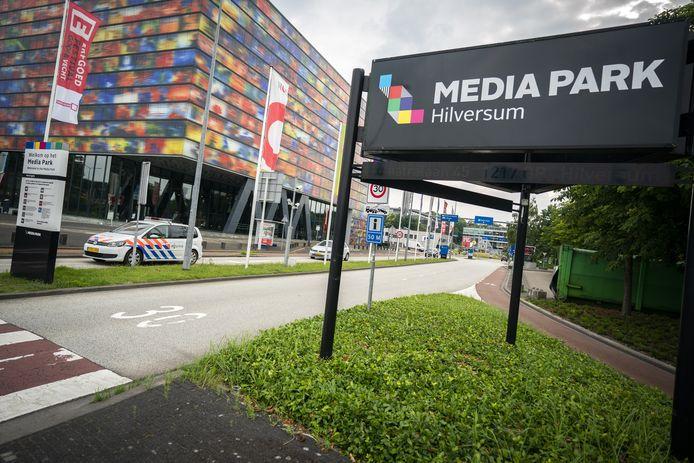 Politie op het Mediapark.