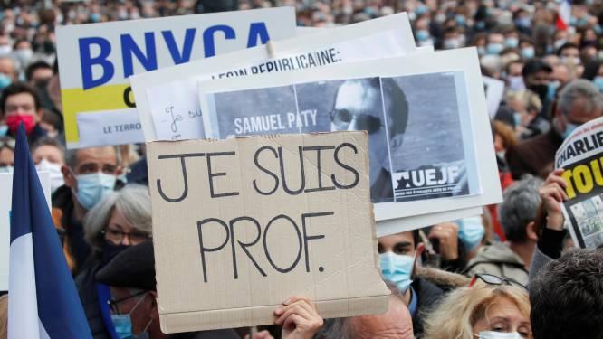 """""""Je suis prof"""": en France, des dizaines de milliers de personnes rendent hommage au professeur décapité"""