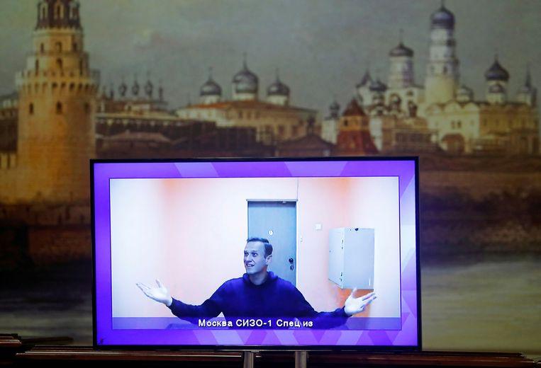 Opname van Navalny tijdens een beroep voor de rechter tegen zijn arrestatie. Beeld Reuters