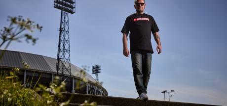 Gemist? Tiener (15) gewond bij steekpartij en dichter Mark maakt bundel over Feyenoord