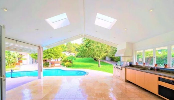 Simon Cowell verkoopt villa.