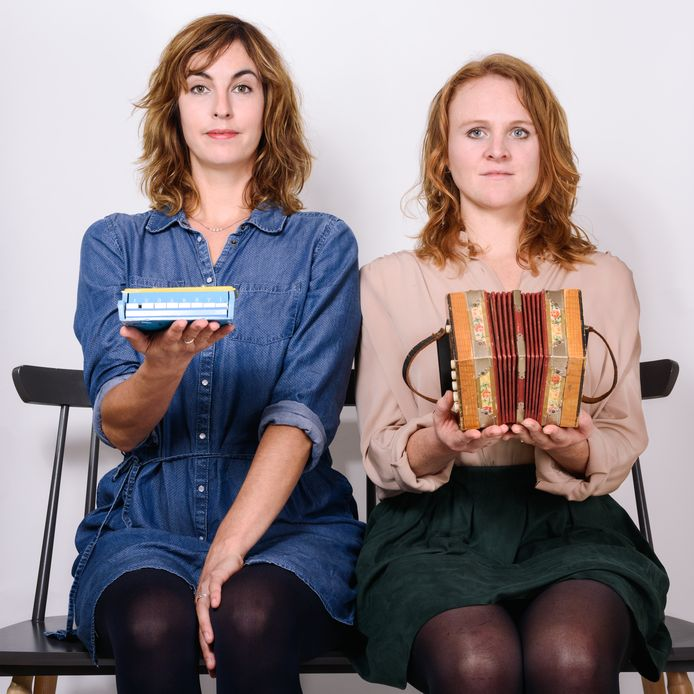 Lieve Louise & De Fanfare. Links: Lieve Lamerichs, rechts: Louise Donker.