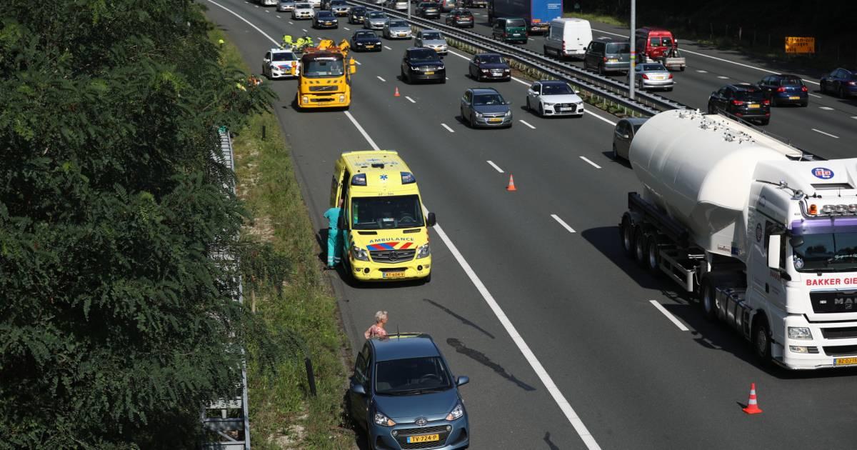 Ochtend vol files op A12 bij Arnhem door wegwerk, ongeval en vakantieverkeer.