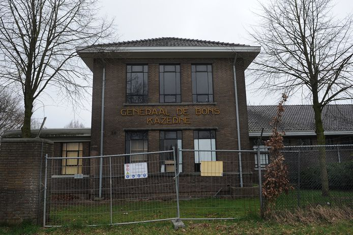 Het asielzoekerscentrum in de voormalige Bonskazerne in Velp.