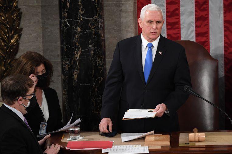 'Mike Pence had niet de moed te doen wat er gedaan moest worden om ons Land en onze Grondwet te beschermen. (…) De VS willen de waarheid!' (Trump over zijn vicepresident op Twitter) Beeld BELGAIMAGE