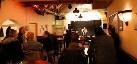 Bovenzaal café De Rozenknop in Eindhoven vernoemd naar muzikant Ad van Meurs