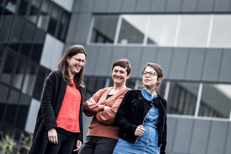 De Morgen-journalisten Eva Christiaens, Cathy Galle en Sara Vandekerckhove winnen Belfius Persprijs Beeld Tine Schoemaker