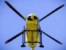 Mountainbiker komt hard ten val in Belfeld: zwaargewond naar ziekenhuis gebracht met traumahelikopter