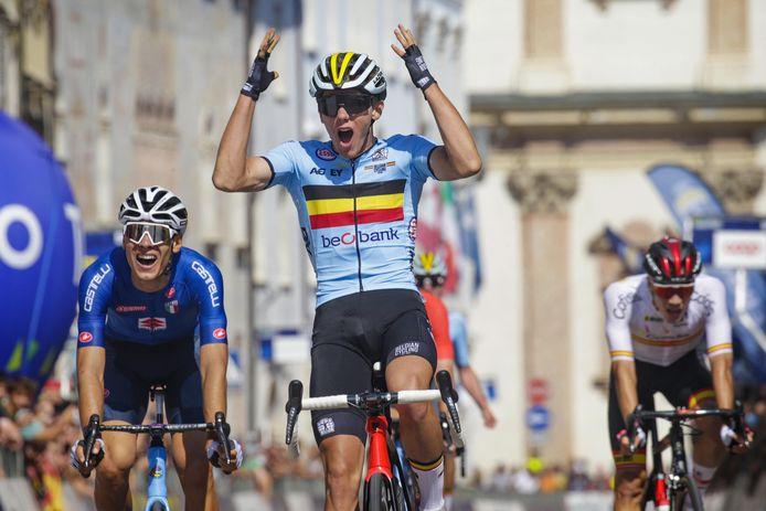 Thibau Nys werd Europees kampioen U23 op de weg en eindigde zesde op het WK op de weg voor beloften.