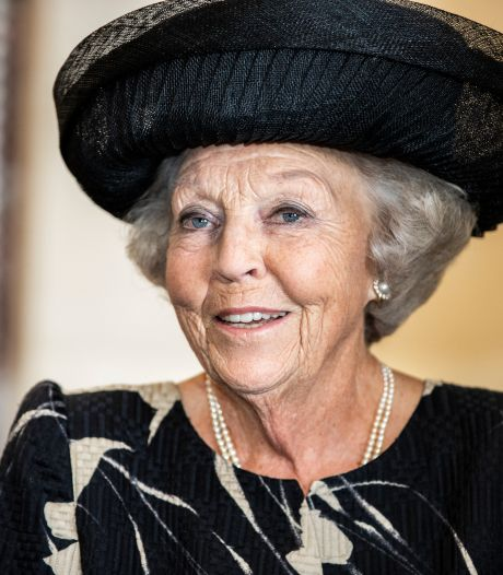 Beatrix opent Prins Clausbrug op 26 oktober