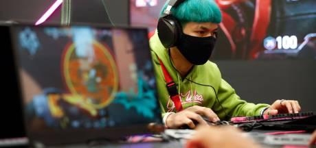 Zo speel je games op je Xbox of PlayStation met muis en toetsenbord