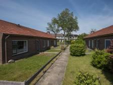 Naoorlogse huisjes in Olst geen monument, dezelfde huisjes in Wijhe misschien wél: 'Dat was niet ons doel'