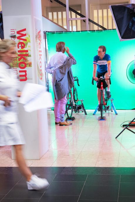 Hoogleraar fietst 200 kilometer in restaurant Radboud tegen kanker: 'Stuk zwaarder dan verwacht'