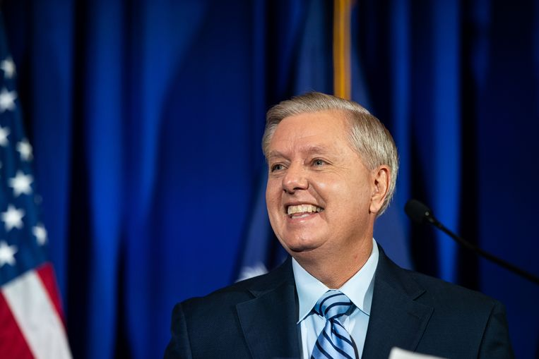 De Republikeinse senator Lindsey Graham staat nog helemaal achter Trump. 'De verkiezingen in Philadelphia zijn gecorrumpeerd.' Beeld Getty Images