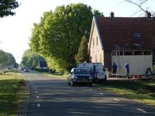 Bewoners 'onder bloed en puin' nadat auto huiskamer binnenvliegt: 'Dat geluid, het leek net een raket'