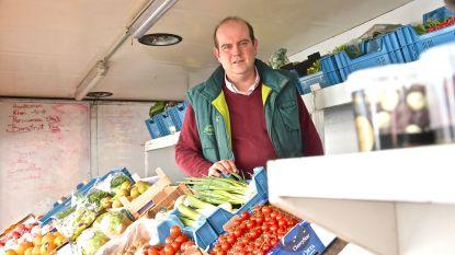 """Fruit- en groentehandelaar mag verder de baan op:  """"Door het hamsteren zijn de prijzen van witloof en bloemkool op een week verdubbeld"""""""