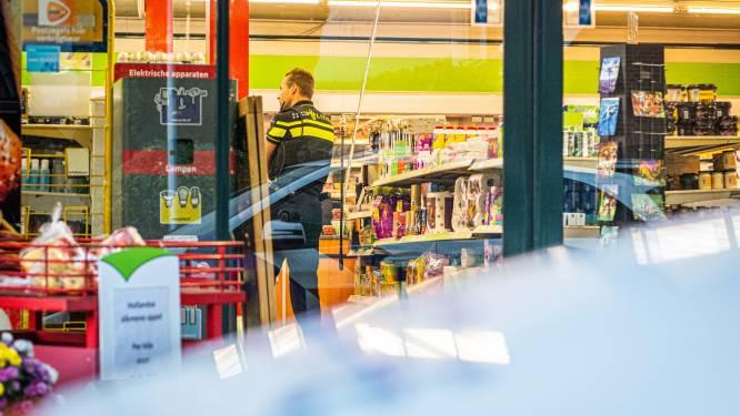 Supermarktbaas Marc en dochter Fleur overmeesteren overvaller in Tuk: 'Hij had een pistool'