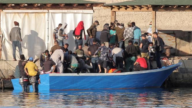 """Bijna zoveel migranten bereiken Italië via zee als in heel 2019: """"Vooral op Lampedusa is de situatie onhoudbaar"""""""