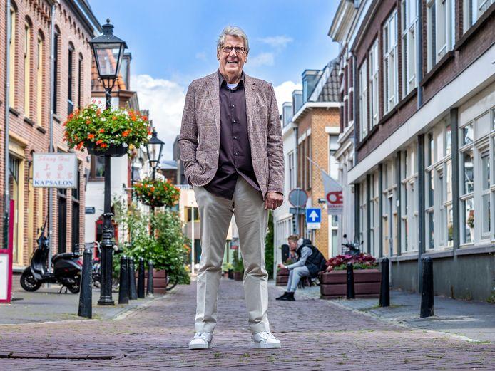 Gerard Geesink (de broer van Anton) in de Willemsstraat in het hart van Wijk C.