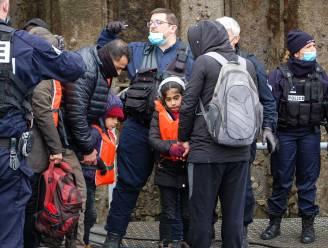 Acht boten met 159 migranten gered voor Franse kust