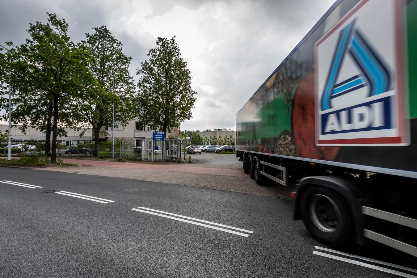 De locatie op Bedrijventerrein Breeven in Best is 'niet toekomstbestendig', stelde de Duitse supermarktketen eerder.