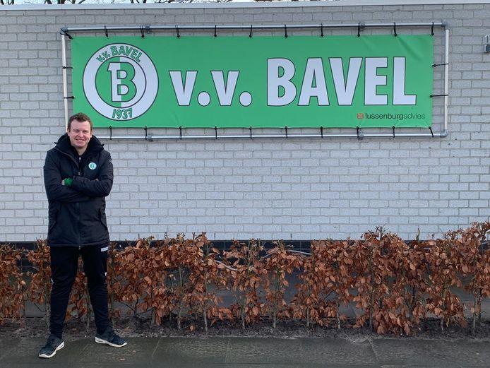 Jim Verhaart blijft als trainer van het eerste van het vrouwenelftal van VV Bavel