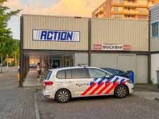 Overval op Eindhovense cafetaria: twee daders, onbekende buit, politie doet onderzoek