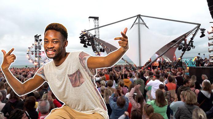 Showbits-Daniël amuseert zich in de backstage bij Tien Om Te Zien