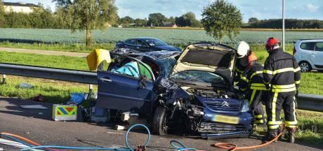 Auto slaat over de kop bij Etten-Leur: A58 tussen Rucphen en Breda-West dicht